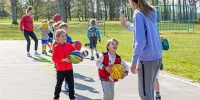 """Sportwereld tegen corona: """"In tweetallen dribbelen is zeker niet de reden waarom onze leden basketballen"""""""