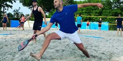 Sportwereld tegen corona: Beachsporten in hartje Drachten
