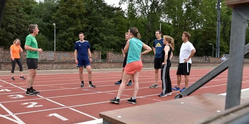 Sportwereld tegen corona: Haag Atletiek bedankt zorgmedewerkers met gratis hardloopclinics